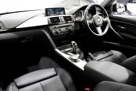 BMW 3 SERIES 330D XDRIVE M SPORT - 413 - 37