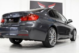 BMW 3 SERIES 330D XDRIVE M SPORT - 413 - 23