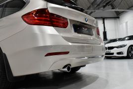 BMW 3 SERIES 320D LUXURY TOURING - 599 - 41