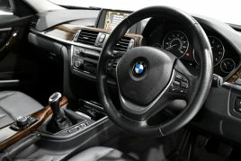 BMW 3 SERIES 320D LUXURY TOURING - 599 - 10