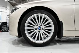 BMW 3 SERIES 320D LUXURY TOURING - 599 - 33