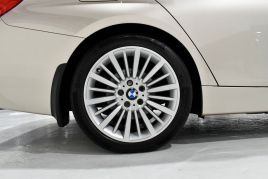 BMW 3 SERIES 320D LUXURY TOURING - 599 - 31