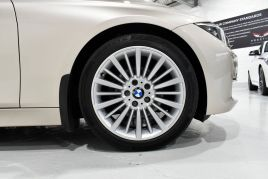 BMW 3 SERIES 320D LUXURY TOURING - 599 - 30