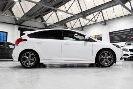 FORD FOCUS ST-2 - 372 - 3