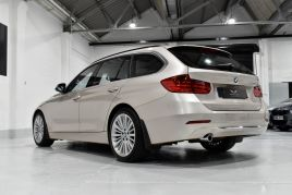 BMW 3 SERIES 320D LUXURY TOURING - 599 - 40