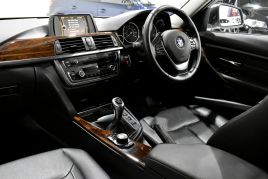 BMW 3 SERIES 320D LUXURY TOURING - 599 - 56