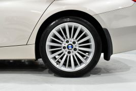 BMW 3 SERIES 320D LUXURY TOURING - 599 - 32